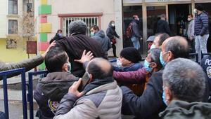 Diyarbakırda HDP il binası önünde gerginlik