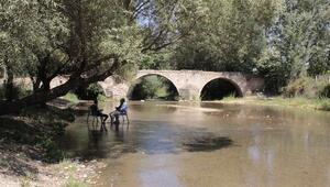 Osmanlı kervanlarının Büyük Menderesi aşmasını sağlayan tarihi köprü: Hançalar