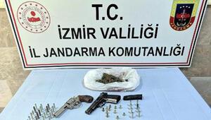 İzmir merkezli uyuşturucu operasyonunda 15 gözaltı