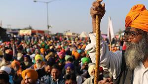 Hindistan Yüksek Mahkemesinden yeni tarım yasalarının uygulanmasının ertelenmesi tavsiyesi