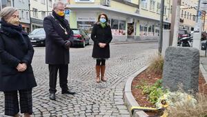Schwandorf kurbanları için iki minik anma