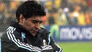 Maradonanın cenazesi DNA testi nedeniyle yakılamadı