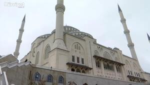 Cumhurbaşkanı Erdoğan, Cuma namazından  sonra cemaati koronavirüs konusunda uyardı