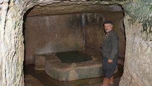 30 yıldır mağarada yaşıyor Doğa aşığı Mustafa Öztürkün ilginç yaşamı şaşırtıyor...