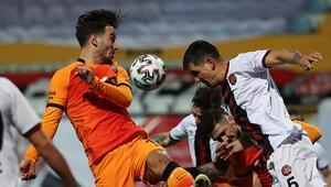 Fatih Karagümrük 2-1 Galatasaray (Maçın özeti ve golleri)