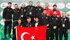 Milli güreşçiler, Sırbistandaki Dünya Kupasında takım halinde dünya ikincisi oldu