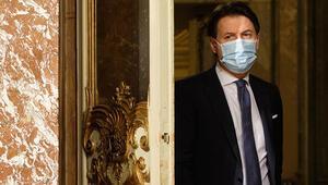 Başbakan Acı bir karar verdik diyerek duyurdu İtalya ekrana kilitlendi