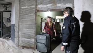 Denizlide darbeden sevgilisinden kaçıp sığındığı eski eşinin alıkoyduğu kadını polisler kurtardı