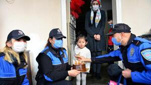 Polisten Deniz Su'ya doğum günü sürprizi
