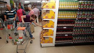 Hafta sonu sokağa çıkma yasağında marketler açık mı  Hafta sonu (Cumartesi-Pazar) marketlerin çalışma saatleri