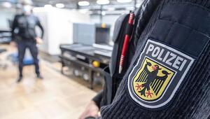 Alman polisi 'sahte general'i Türkiye'ye uçurtmadı