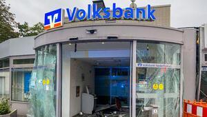 Almanya'da 400 para otomatı patlatıldı