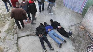 Son dakika haberleri... Adanada nefes kesen operasyon: Çay içmeye geldik, başımıza gelenlere bak