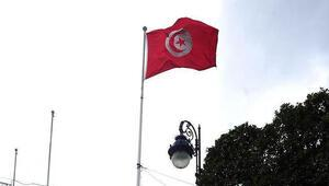 Tunusta dün görevden alınan Çevre Bakanı el-Arvi, 11 kişi ile birlikte gözaltına alındı