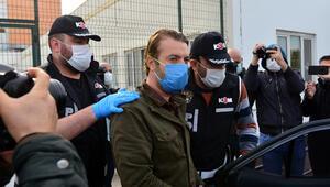 Ceyhan Belediyesine rüşvet operasyonunda gözaltındaki 23 şüpheli, sağlık kontrolünden geçirildi