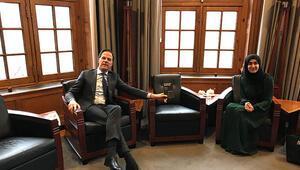 Hollanda Başbakanından Türk asıllı öğrencinin yazdığı kitaba büyük ilgi
