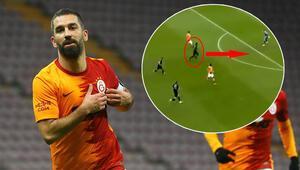 Galatasaray Göztepe maçında Arda Turanın golünden çok o konuşuldu Gassama...