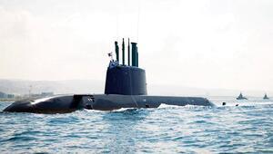 İsrail denizaltısı Süveyş'ten geçti