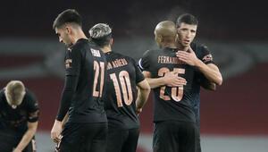 Arsenali 4 golle geçen Manchester City, İngiltere Lig Kupasında yarı finale yükseldi