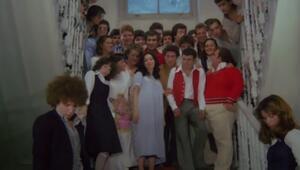 Hababam Sınıfı Dokuz Doğuruyor filminin konusu ne, oyuncuları kimler İşte Yeşilçamın efsane filmine dair ayrıntılar