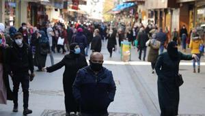 Gaziantep'te çarşılarda yoğunluk sürüyor