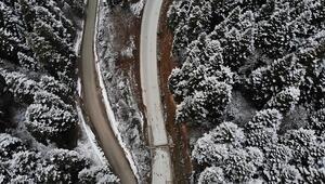 Yedigöller Milli Parkı yolu kar ve buzlanma sebebiyle ulaşıma kapatıldı