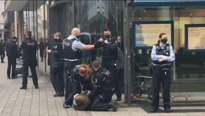 Son dakika haberi: Almanya'da başörtülü kadına polis şiddeti infial yarattı.. Alman vatandaşlar olaya tepki gösterdi..