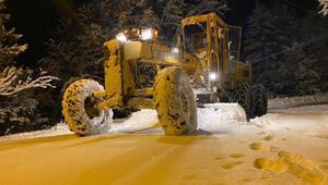 Karadeniz'de kar esareti; 250 köy yolu kapandı