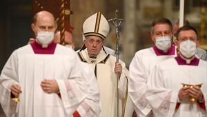 Vatikanda koronavirüs önlemli Noel ayini