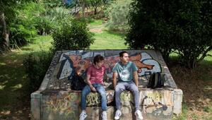 'Biz de Varız'da yönetmen ve oyuncularla çevrimiçi sohbet