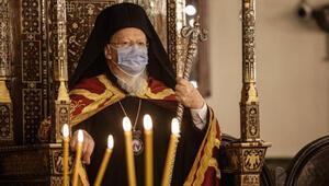 Fener Rum Ortodoks Patrikhanesinde koronavirüs gölgesinde Noel ayini