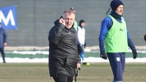 BB Erzurumspor, Mesut Bakkal yönetiminde ilk idmanını yaptı