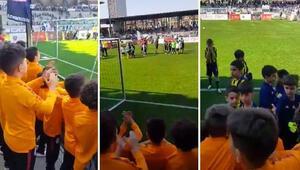 Minik futbolcuların örnek davranışı, ezeli rakipler Galatasaray ve Fenerbahçeye fair play ödülü getirdi