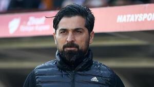 Göztepe Teknik Direktörü İlhan Palut: Maçı bitirebilecek fırsatlar yakaladık ama değerlendiremedik