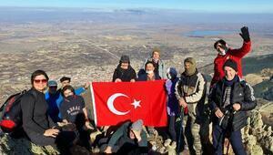 Sultandağlarına tırmanıp, bayrak diktiler