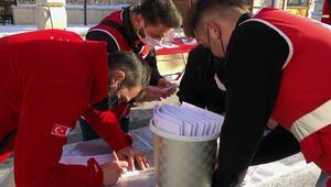 Genç Kızılay üyeleri, Bayburt'ta kısıtlamada kan bağışına dikkat çekti