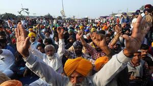Hindistanda çiftçilerle ilgili flaş iddia