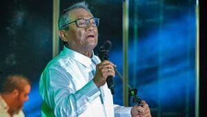 Son dakika... Efsane şarkıcı corona virüsü sonucu hayatını kaybetti