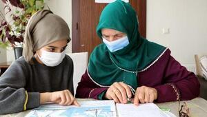 9 çocuğu doktor, mühendis, öğretmen ve hemşire olan anne okuma yazma öğreniyor
