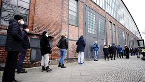 Berlin'de aşı merkezi kapandı