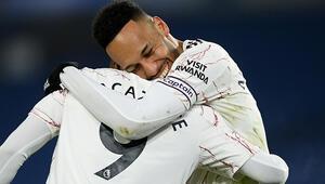 Premier Ligde Arsenaldan üst üste ikinci galibiyet
