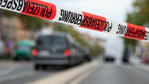 1'i emekli 4 polisin evi arandı