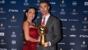 Cristiano Ronaldo sosyal medyada 500 milyon takipçiye yaklaştı