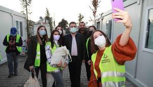 Başkan Sandaltan konteyner kentteki çocuklara yeni yıl sürprizi