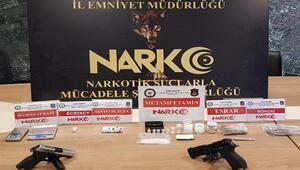 Eskişehir'de biri kadın 3 torbacı tutuklandı