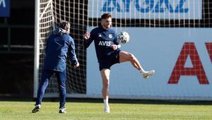 Fenerbahçede Jose Sosa bireysel çalışıyor