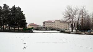 Muş adeta buz kesti Nehir ve dereler buz tuttu