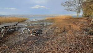 Korkutan görüntü Sapanca Gölünde sular metrelerce çekildi