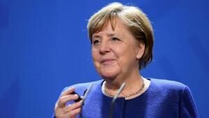 Merkelden flaş Uğur Şahin ve Özlem Türeci açıklaması