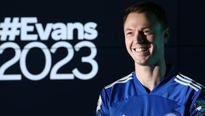 Leicester City, Evansın sözleşmesini 2023e kadar uzattı